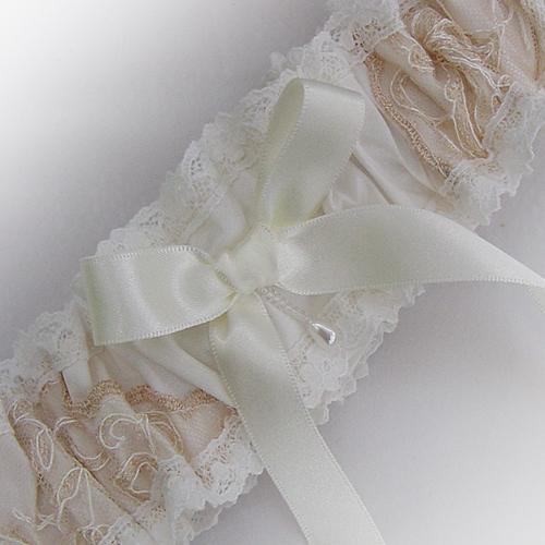 Unique Wedding Garter: Unique Vintage Limited Edition Garters To Delight A Bride