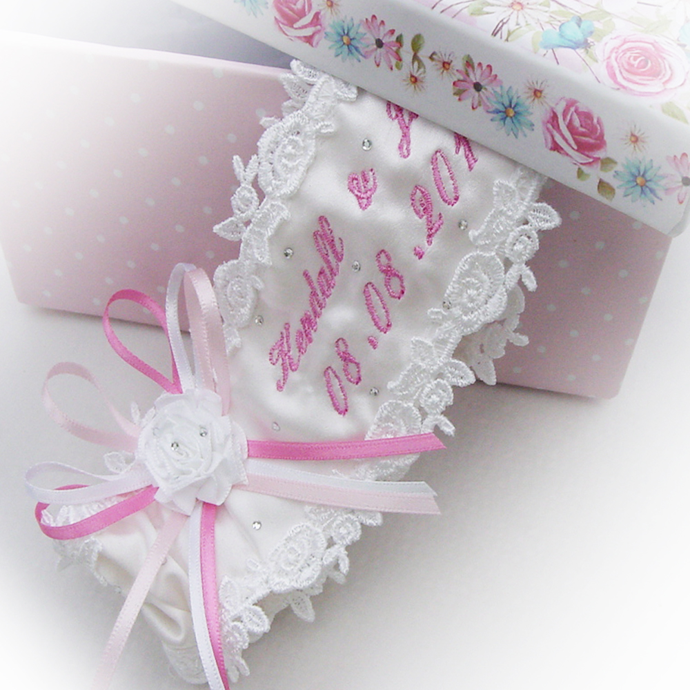 Unique Wedding Garter: Personalised Wedding Garters With An Elegant Script Text