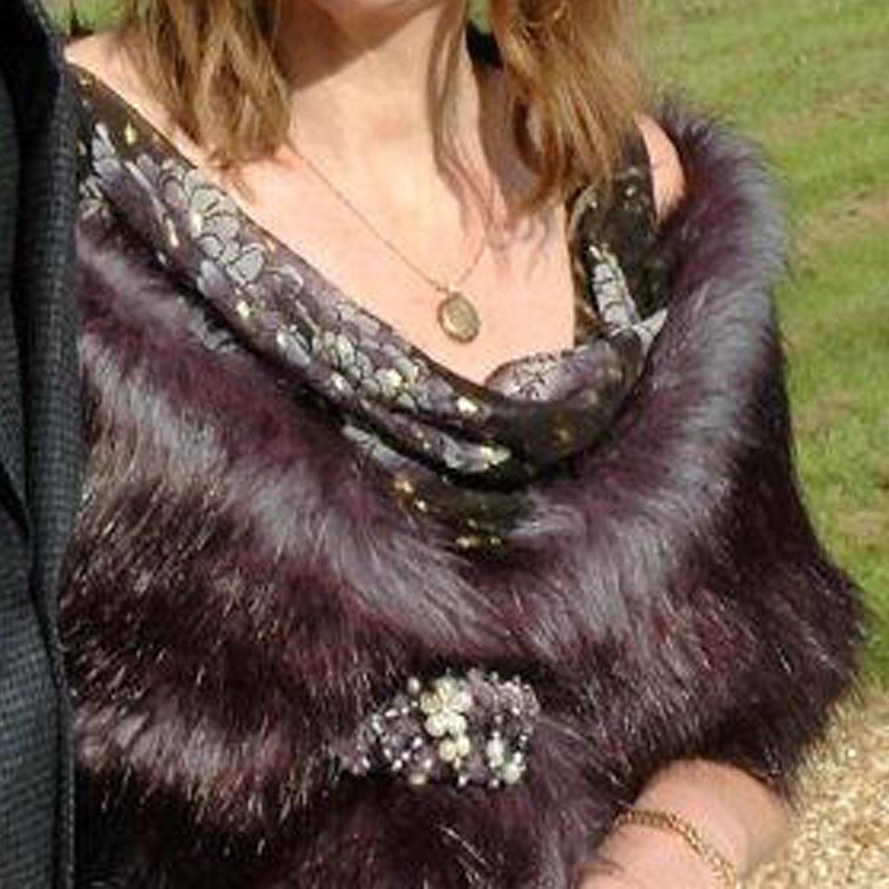 Making a fur wrap for a winter wedding, DIY evening wrap