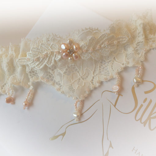 Isla wedding garter Narrow Lace