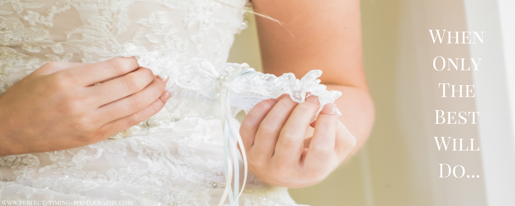 Wedding garter in ivory Nottingham lace
